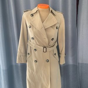 Burberry Kensington Mid-Length Cotton Trench Coat